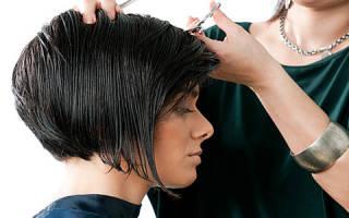 Подстригать волосы во сне у парикмахера