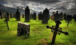 К чему беременной снится кладбище и могилы