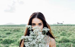 Во сне бывший муж дарит цветы